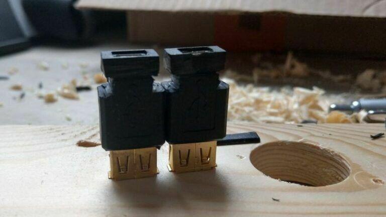 fertiger Zuschnitt der USB-Buchsen