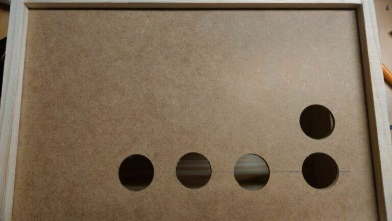 fertige Löcher für die Buttons