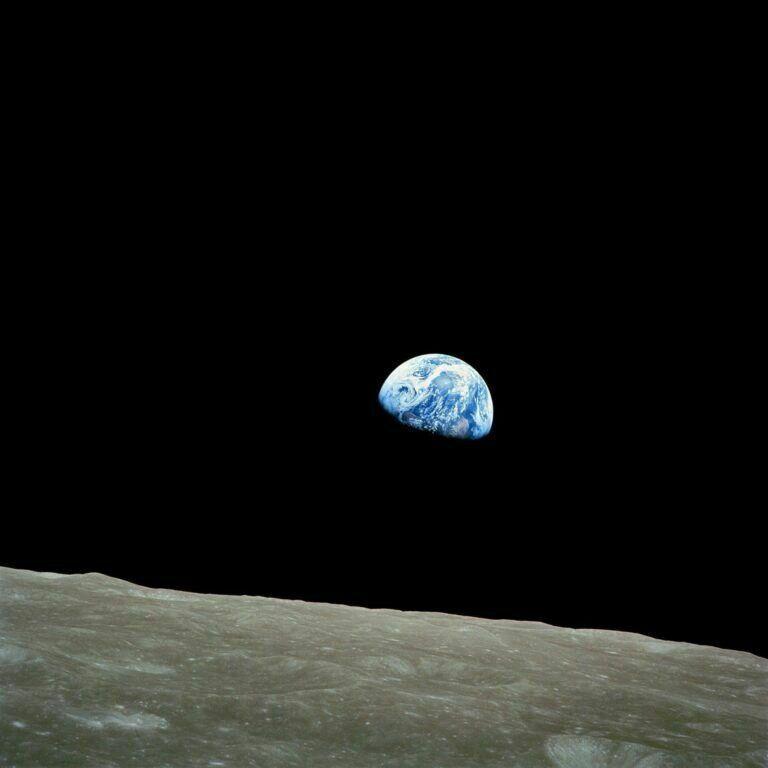 Blick vom Mond auf unseren blauen Planeten